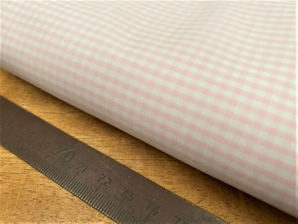 King HH pink check fabric